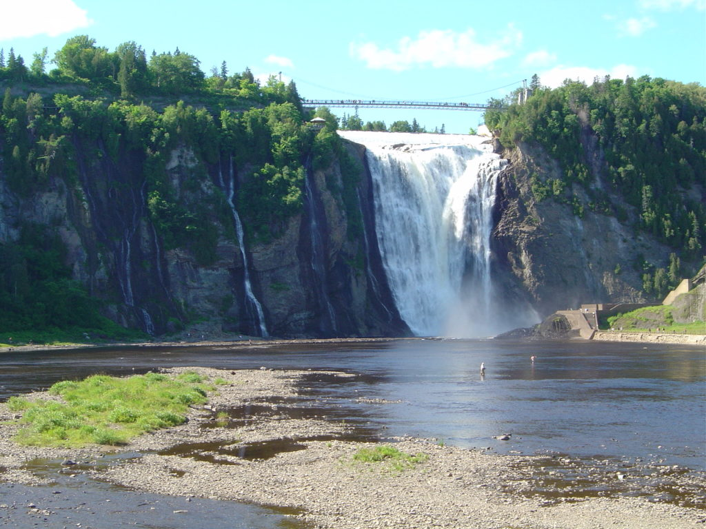 Chutes montmorency, un des attraits touristiques les plus prisés des touristes français qui visitent la région de Québec