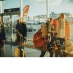 immigrants arrivant à l'aéroport de Québec pour immigrer